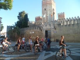 Cycling to El Castillo