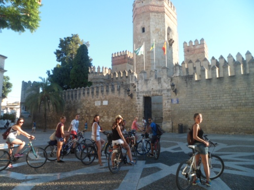 Cycling to El Castillo